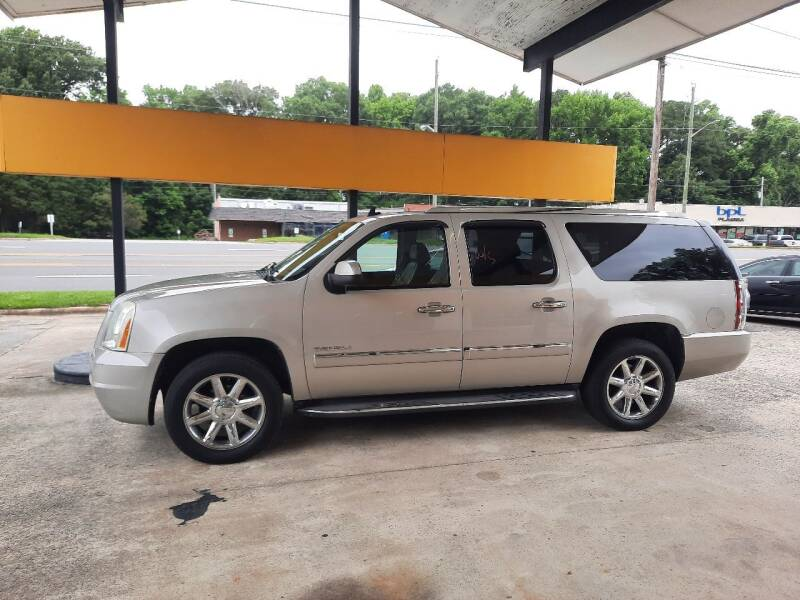 2009 GMC Yukon XL for sale at PIRATE AUTO SALES in Greenville NC