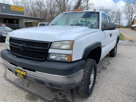 2005 Chevrolet Silverado 2500HD for sale at 51 Auto Sales Ltd in Portage WI