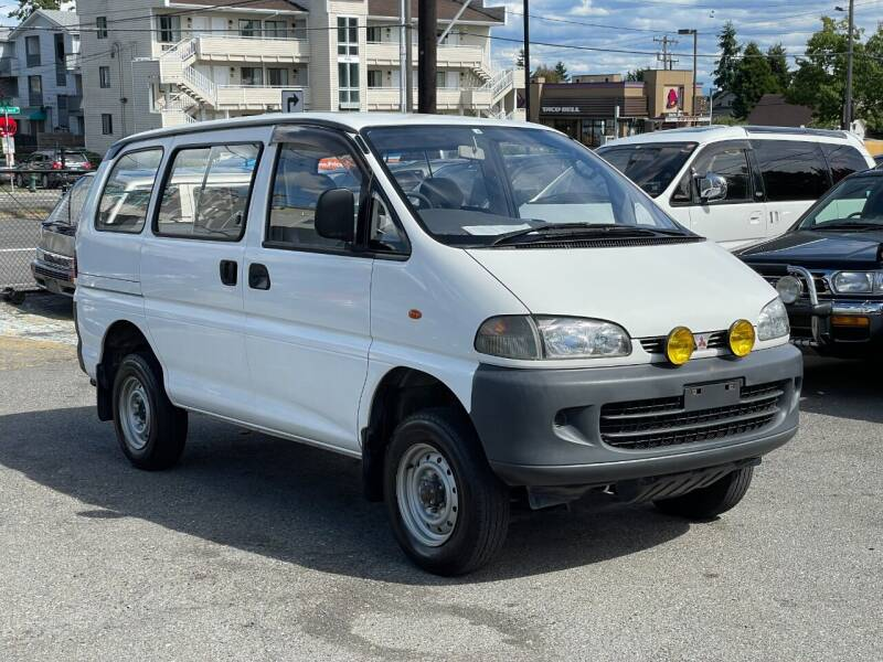 1995 Mitsubishi Delica for sale at JDM Car & Motorcycle LLC in Seattle WA