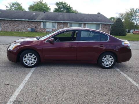 2010 Nissan Altima for sale at The Car Mart in Milford IN