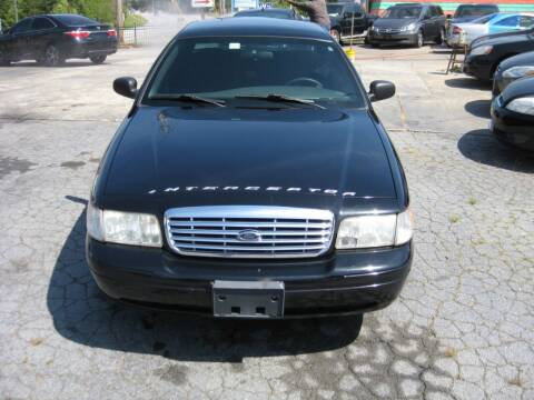 2010 Ford Crown Victoria for sale at LAKE CITY AUTO SALES in Forest Park GA