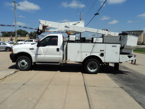 2001 Ford F-550 Super Duty for sale at J & L Sales LLC in Topeka KS