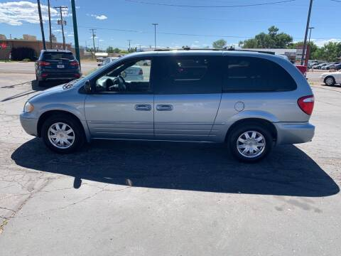 2005 Chrysler Town and Country for sale at University Auto Sales in Cedar City UT