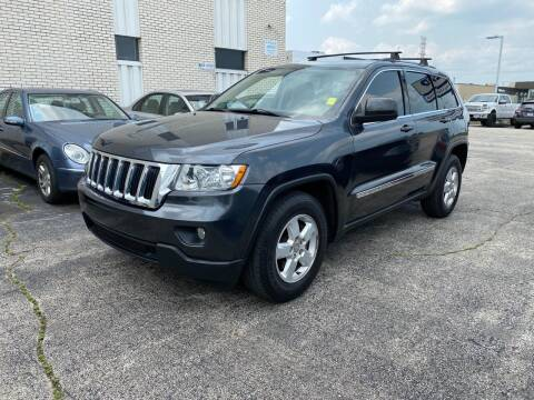 2011 Jeep Grand Cherokee for sale at AUTOSAVIN in Elmhurst IL