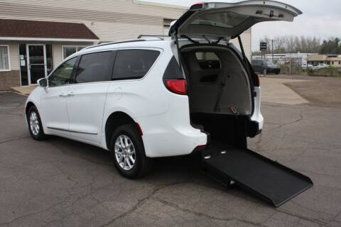2020 Chrysler Pacifica for sale at New Mobility Solutions in Jackson MI