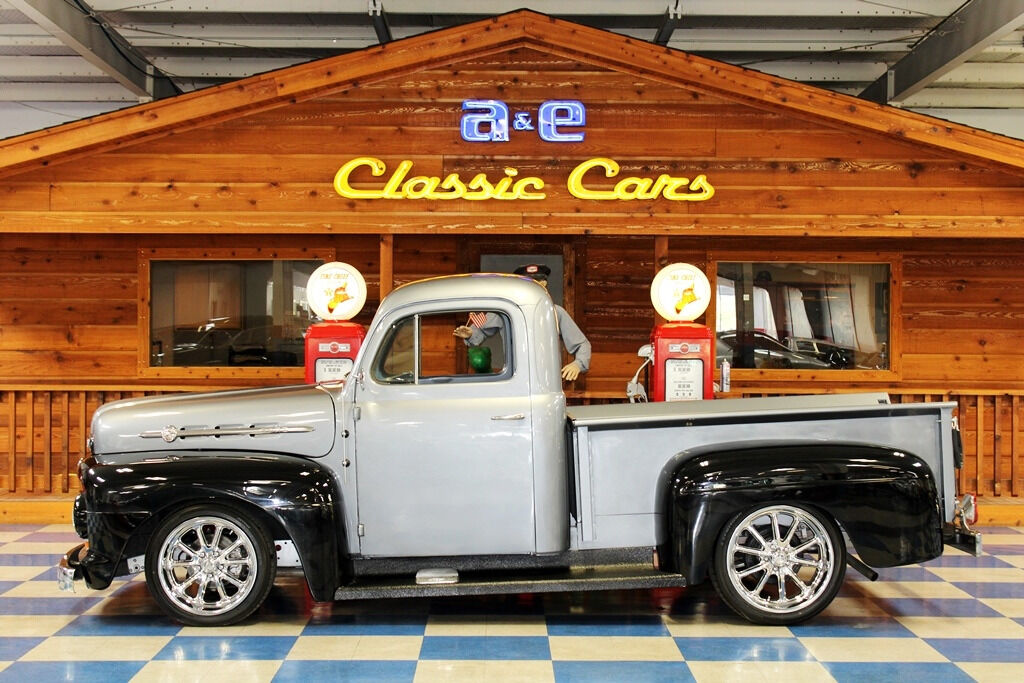 1951 Ford F-100 2