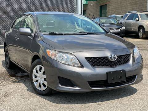 2010 Toyota Corolla for sale at Illinois Auto Sales in Paterson NJ