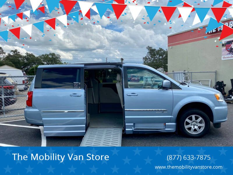 2012 Chrysler Town and Country Touring 4dr Mini-Van - Lakeland FL