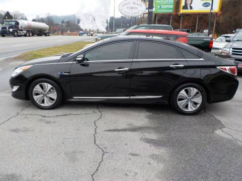2015 Hyundai Sonata Hybrid for sale at EAST MAIN AUTO SALES in Sylva NC