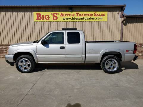 2006 Chevrolet Silverado 1500 for sale at BIG 'S' AUTO & TRACTOR SALES in Blanchard OK
