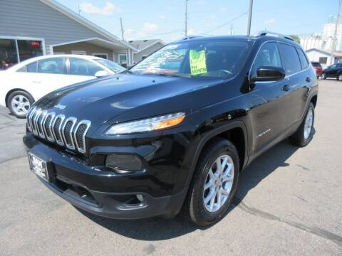 2018 Jeep Cherokee for sale at Dam Auto Sales in Sioux City IA