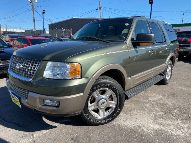 2003 Ford Expedition for sale at New Wave Auto Brokers & Sales in Denver CO