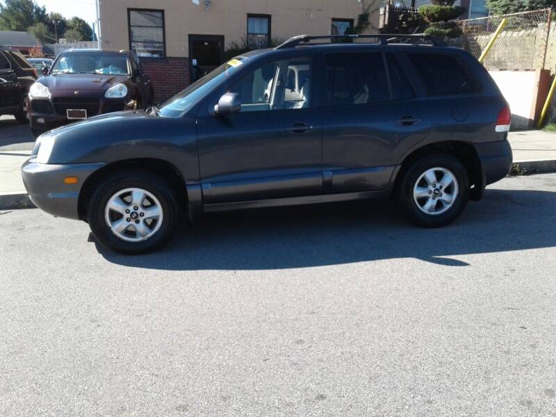 2006 Hyundai Santa Fe for sale at Nelsons Auto Specialists in New Bedford MA