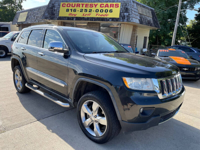 2011 Jeep Grand Cherokee for sale at Courtesy Cars in Independence MO