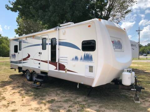 2006 FOR SALE!!!!   Forest River  Cardinal  30 FK for sale at S & R RV Sales & Rentals, LLC in Marshall TX