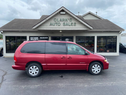 1999 Dodge Grand Caravan for sale at Clarks Auto Sales in Middletown OH