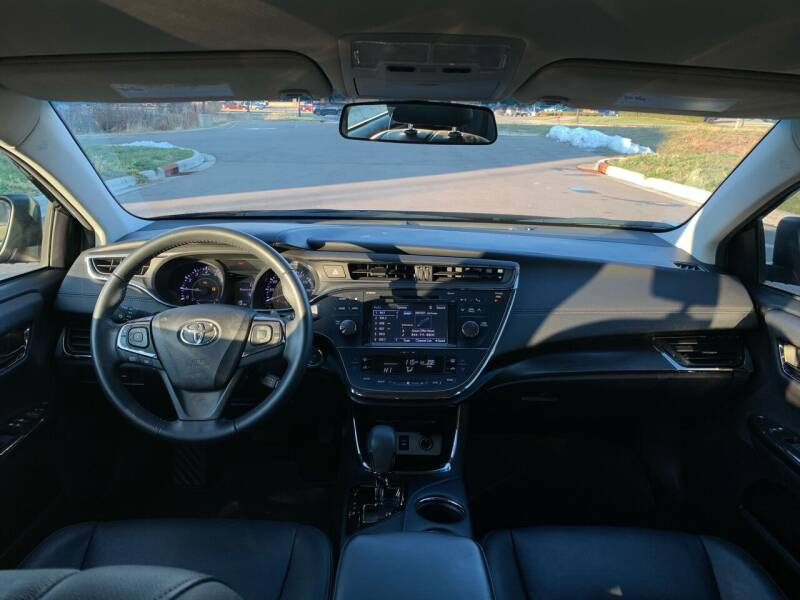 2016 Toyota Avalon XLE 4dr Sedan - Farmington MN