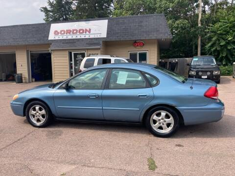 2005 Ford Taurus for sale at Gordon Auto Sales LLC in Sioux City IA