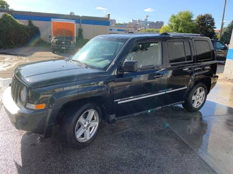 2010 Jeep Patriot for sale at BEAR CREEK AUTO SALES in Rochester MN