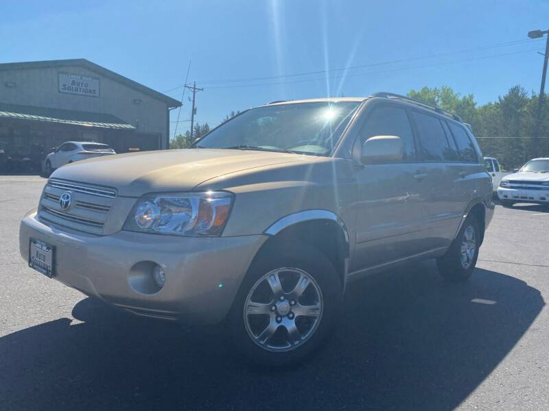 2004 Toyota Highlander for sale at Lakes Area Auto Solutions in Baxter MN