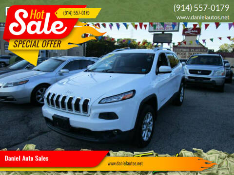 2014 Jeep Cherokee for sale at Daniel Auto Sales in Yonkers NY