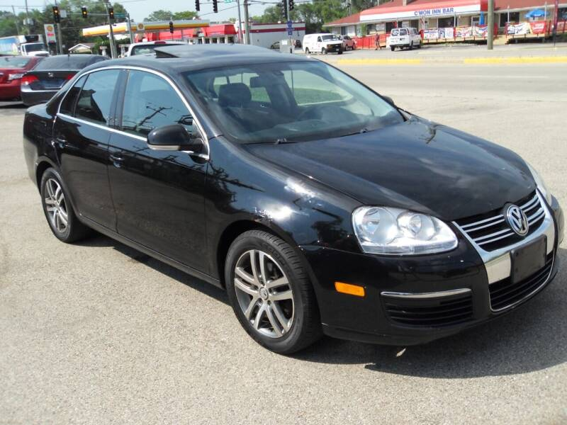 2005 Volkswagen Jetta for sale at GLOBAL AUTOMOTIVE in Grayslake IL