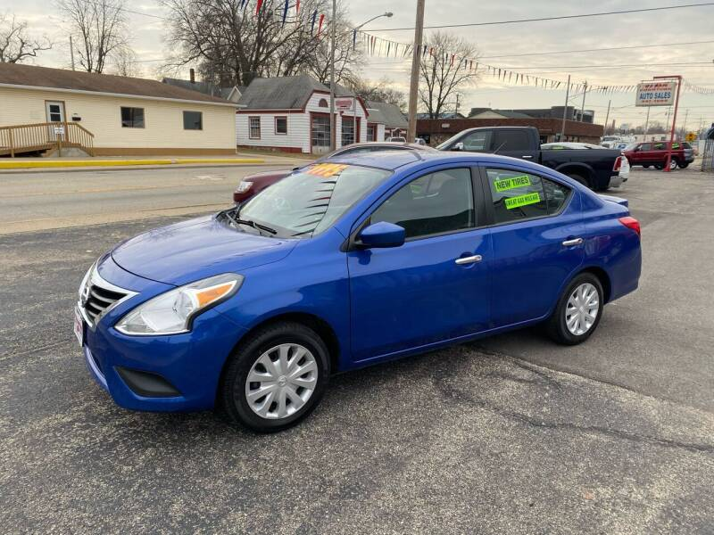 2017 Nissan Versa for sale at PEKIN DOWNTOWN AUTO SALES in Pekin IL
