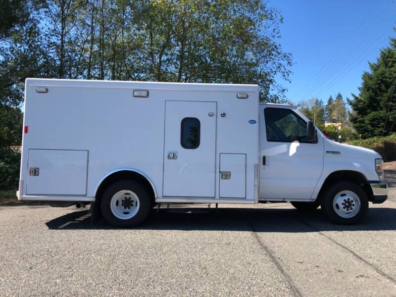 2012 Ford E-Series Chassis for sale at Grandview Motors Inc. in Gig Harbor WA