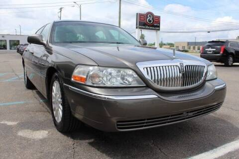 2004 Lincoln Town Car for sale at B & B Car Co Inc. in Clinton Twp MI