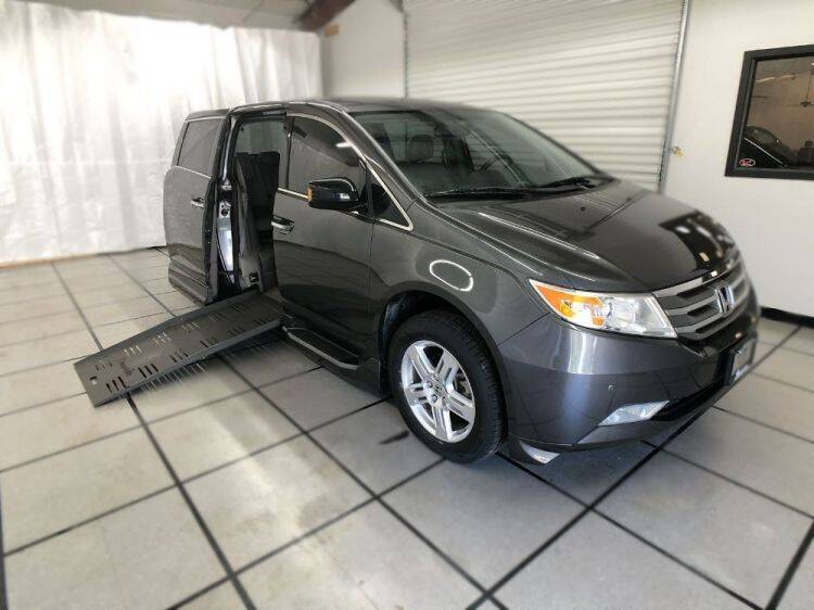 2013 Honda Odyssey for sale at AMS Vans in Tucker GA