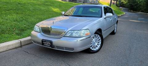 2004 Lincoln Town Car for sale at ENVY MOTORS LLC in Paterson NJ
