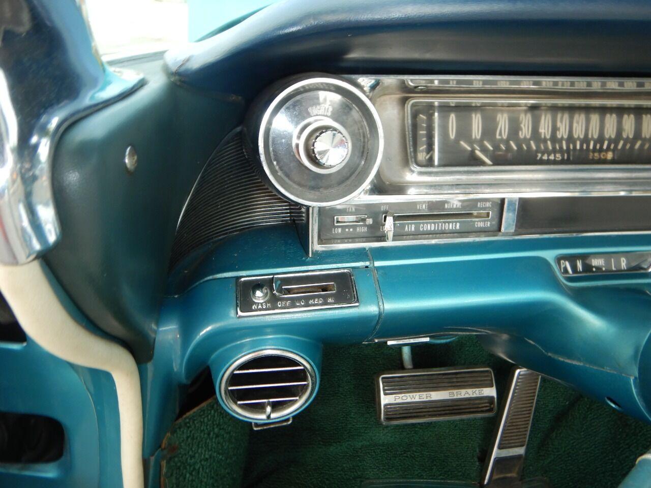 1961 Cadillac Eldorado Biarritz 45