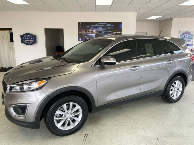 2016 Kia Sorento for sale at Used Car Outlet in Bloomington IL