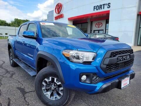 2018 Toyota Tacoma for sale at Auto Smart of Pekin in Pekin IL