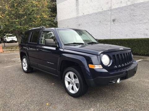 2014 Jeep Patriot for sale at Select Auto in Smithtown NY