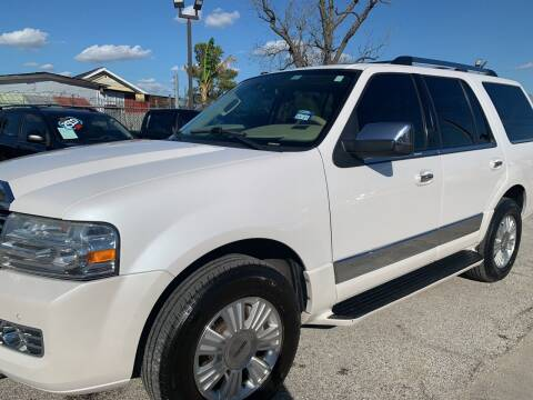 2009 Lincoln Navigator for sale at FAIR DEAL AUTO SALES INC in Houston TX