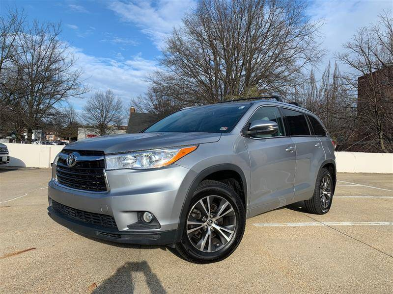 2016 Toyota Highlander for sale at Crown Auto Group in Falls Church VA
