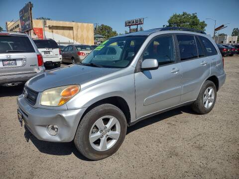 2004 Toyota RAV4 for sale at Larry's Auto Sales Inc. in Fresno CA