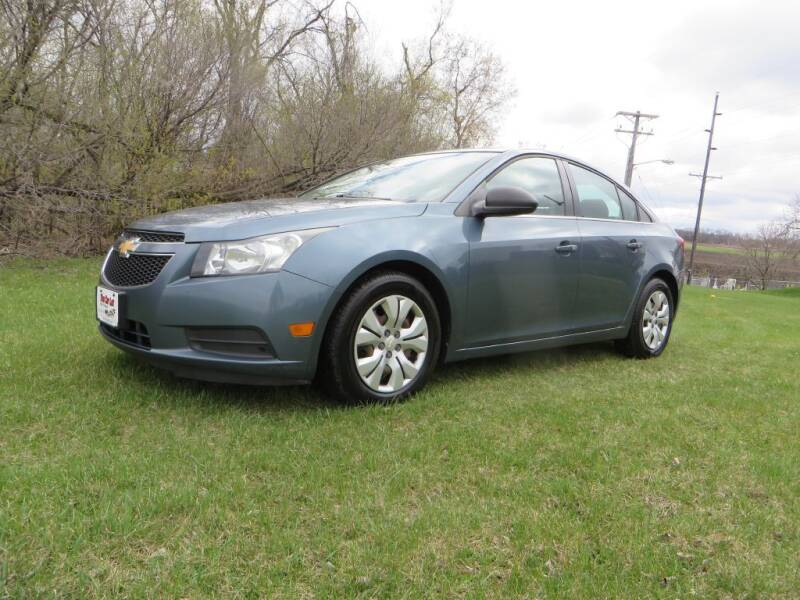 2012 Chevrolet Cruze for sale at The Car Lot in New Prague MN