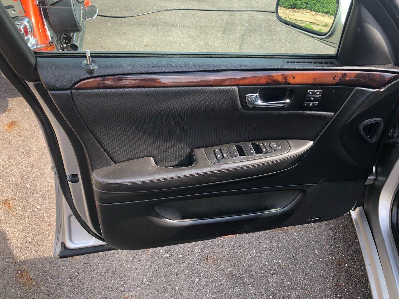 2008 Cadillac DTS 4dr Car