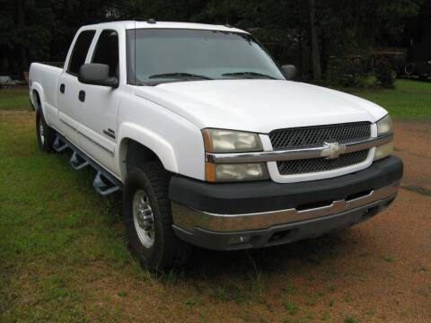 2004 Chevrolet Silverado 2500HD for sale at Champines House Of Wheels in Kronenwetter WI