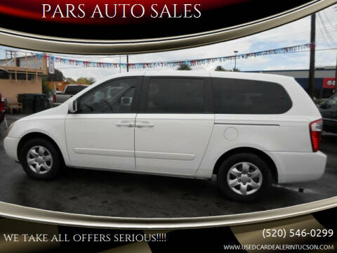 2006 Kia Sedona for sale at PARS AUTO SALES in Tucson AZ