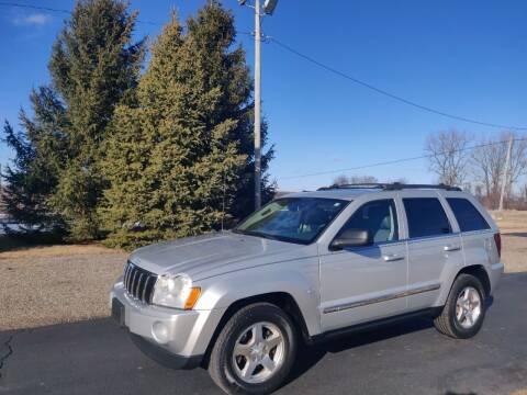2006 Jeep Grand Cherokee for sale at Carmart Auto Sales Inc in Schoolcraft MI