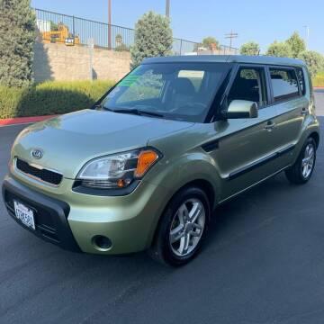 2011 Kia Soul for sale at Select Auto Wholesales in Glendora CA