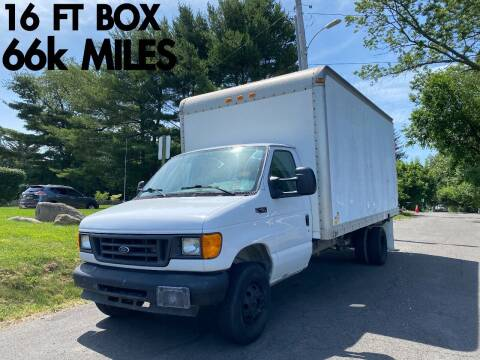 2004 Ford E-Series Chassis for sale at Divan Auto Group in Feasterville Trevose PA
