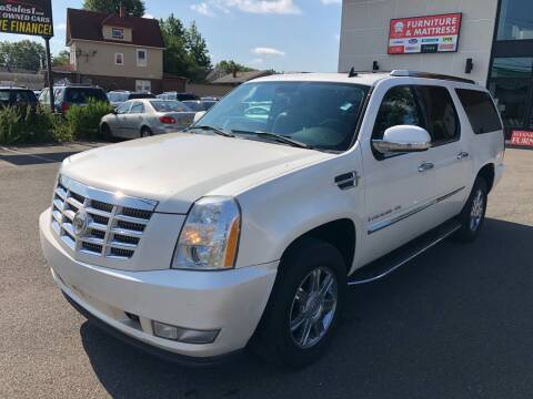 2007 Cadillac Escalade ESV for sale at MAGIC AUTO SALES in Little Ferry NJ