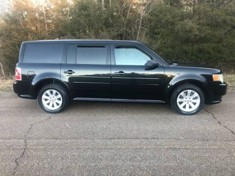 2010 Ford Flex for sale at Monroe Auto's, LLC in Parsons TN