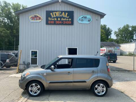 2011 Kia Soul for sale at IDEAL TRUCK & AUTO LLC in Coopersville MI