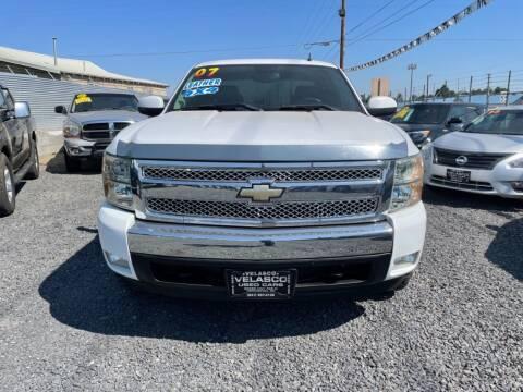 2007 Chevrolet Silverado 1500 for sale at Velascos Used Car Sales in Hermiston OR