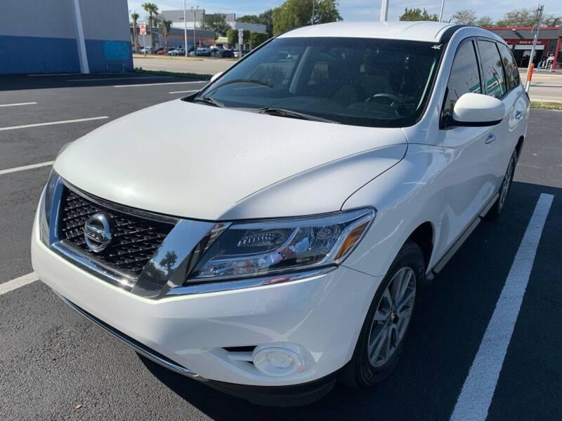 2013 Nissan Pathfinder for sale at Eden Cars Inc in Hollywood FL